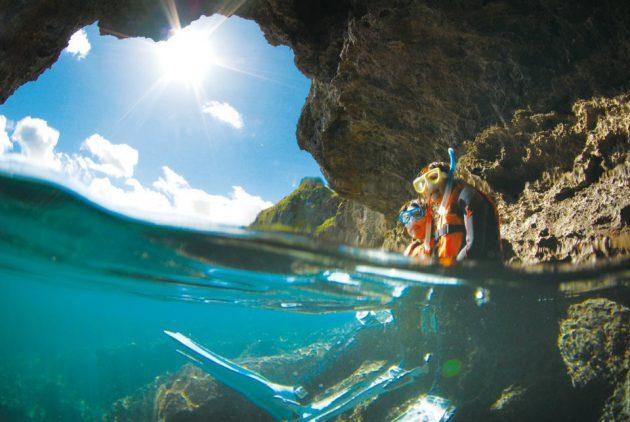 青の洞窟体験スノーケル